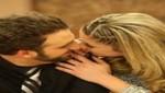 'Peluchín' y Sofía Franco celebraron aniversario con un beso