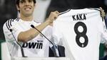 Berlusconi podría volver al Milan con Kaká y Tévez