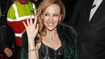 Kylie Minogue honrada con doctorado por lucha contra el cáncer