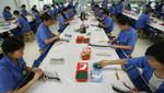China: Baja en manufacturas se suma a caída de industria de servicios