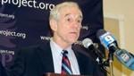 ¿Ron Paul debe abandonar su campaña para representar al Partido Republicano en comicios generales?