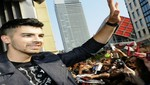 Joe Jonas se presenta en Toronto (video)