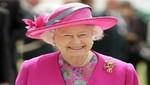 La reina Isabel II viste colores fuertes para no pasar desapercibida