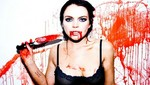 Lindsay Lohan posa bañada en sangre