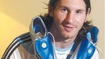 Tuvieron que esconder a Messi en la cabina del avión