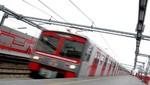 Decenas de pasajeros quedaron atrapados en el tren eléctrico