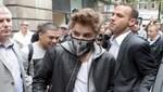 Justin Bieber imita la máscara de su ídolo Michael Jackson
