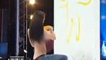 [VIDEO] Mujer que pinta con los pechos causa polémica en televisión de Tailandia