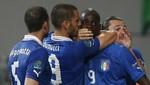 Celebración del gol de Balotelli amortiguada por su compañero de equipo
