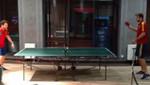 [VIDEO] Eurocopa 2012: Cesc  Fábregas y Gerard Piqué se relajan jugando ping pong