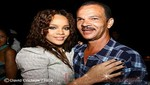 Padre de Rihanna quiere que su hija regrese con Chris Brown