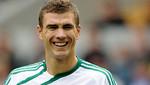 Edin Dzeko llevaría sus goles al Milan por 25 millones de euros