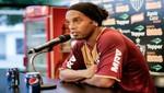 Ronaldinho pierde millonario contrato con Coca Cola por aparecer con una lata de Pepsi