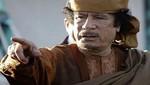 [VIDEO] Aparecen nuevas imágenes de rebeldes libios burlándose del cadáver de Gadafi