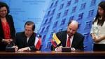 """Ecuador y Chile suscriben acta respaldando """"tratado de límites"""" de 1952"""
