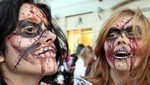 [VIDEO] Zombies protestan en calles de Nueva York por cambios en canal que pasaba 'The Walking Dead'