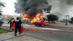 Más de doce pasajeros salvan de morir calcinados al incendiarse coaster en la que viajaban