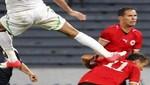 Un jugador de Libia le metió una patada de karate  a un  jugador de Argelia en la cabeza [VIDEO]