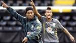 Prensa española afirma que Neymar le preguntó a Ronaldinho por el Barcelona [VIDEO]