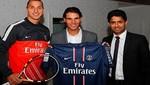 Rafael Nadal cambia su raqueta por camiseta de Ibrahimovic