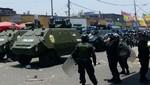 La policía entra a la Av San Pablo y pone orden con tanquetas [VIDEO]