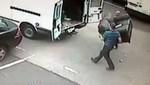 Hombre recupera pertenencias en pleno asalto [VIDEO]