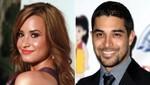 Demi Lovato lleva a su ex-novio Wilmer Valderrama a 'Factor X' [FOTO]