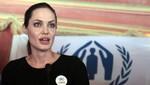 Angelina Jolie vuelve a reunirse con los refugiados sirios en Jordania [VIDEO]