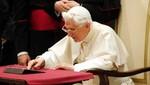 El Vaticano dice que el Papa le gana a Justin Bieber en retweets