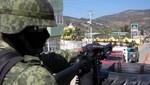 México: Una mujer, su bebé y 12 menores de edad capturados con drogas y armas