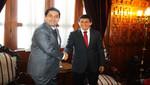 Presidente del Congreso, en reunión con alcalde Heresi, se compromete a modificar ley