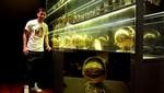 Lionel Messi posó con sus cuatro Balones de Oro [FOTO]