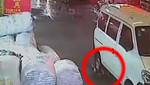 China: Niña atropellada fue abandonada a su suerte