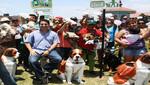 Alcalde presenta novedosos 'Mascotachos' junto a un grupo de vecinos