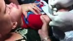 Mujer fuerza a su hijo de 3 años a tatuarse [VIDEO]