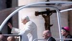 Miles se reúnen para despedirse de Benedicto XVI