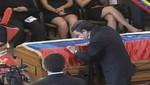 Presidente de Irán besó el ataúd de Hugo Chávez