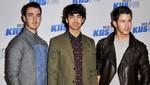 Los Jonas Brothers a los besos con sus parejas en Brasil [FOTOS]