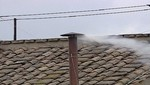 Sale humo blanco de chimenea del Vaticano, eligen al nuevo Papa [VIDEO EN VIVO]