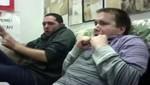 Clip de dos hombres viendo un parto por primera vez se vuelve viral [VIDEO]