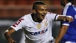 Paolo Guerrero alegre por vencer al Sao Bernardo