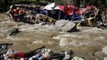 Perú: autobús cae a río y mueren 34 personas