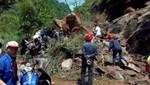 Terremoto en China: Los equipos de rescate usan explosivos en carreteras en medio de réplicas