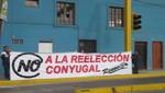 Grupo Renovar del APRA hace aparecer pancartas en Lima contra la Reelección Conyugal