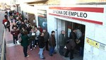 Total de desempleados en España cae en junio en el auge de vacaciones