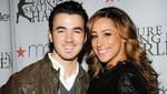 Kevin Jonas y su esposa Danielle están esperando su primer hijo