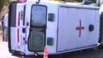 Puno: dos muertos y tres heridos dejó volcadura de ambulancia