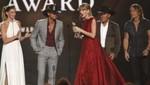 Taylor Swift galardonada en los premios de CMA