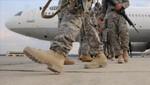 Aparecen imágenes de marines estadounidenses quemando cuerpos de insurgentes iraquíes [FOTOS]