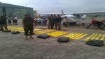 Policía Nacional intervino en Oxapampa avioneta con 325 kilos de droga
